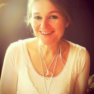 Petra-Michaela Leitmann – Heilpraktikerin, Heilerin & Yoga-Therapeutin